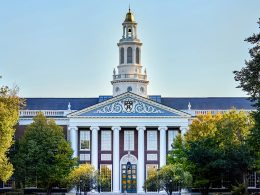 Harvard retira inversión en combustibles fósiles